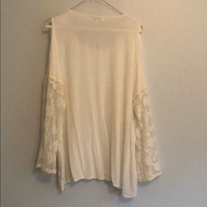 Lace and cotton Umgee top